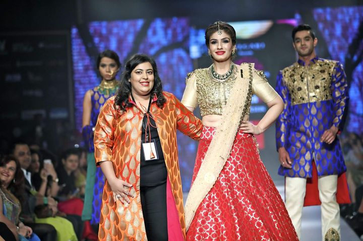 6th_Edition_Pune_Fashion_Week_2016_Actress_Raveena_Tandon_as_showstopper_with_Designer_Purva_Pardeshi